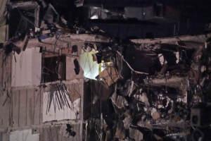 Edificio crollato Miami, macerie e detriti