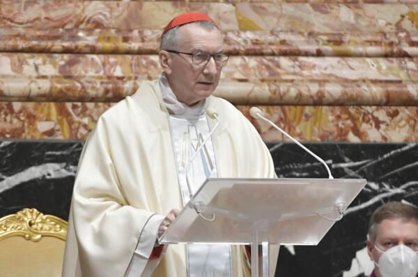 """Ddl Zan, Parolin media: """"Concordo con Draghi, lo Stato è laico. Vaticano non vuole lo stop della legge"""""""