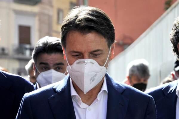 Giuseppe Conte in visita a Napoli