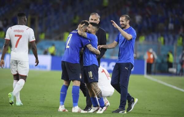 Euro 2020, gli azzurri esultano per la vittoria contro la Svizzera
