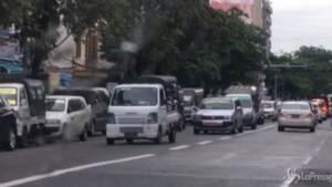 Myanmar, a Yangon la polizia arresta dimostranti anti-colpo di stato