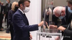 Secondo turno regionali in Francia, Macron e Le Pen ai seggi