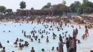 Arriva il caldo: tutti in spiaggia ad Atene