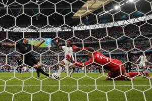 Euro 2020, Inghilterra ai quarti: Sterling e Kane affossano la Germania