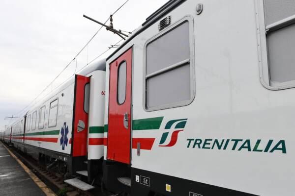 Roma, interni del treno sanitario