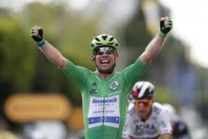 Tour de France, Cavendish fa il bis e si avvicina al mito Merckx