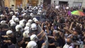 Turchia esce dalla Convenzione di Istanbul, migliaia di donne in piazza