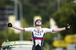 Tour de France: Mohoric vince settima tappa a Le Creusot