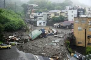 Giappone, 2 morti in frana vicino Tokyo, ricerche proseguono