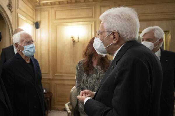 Il Presidente della Repubblica Mattarella incontra Giorgio Armani a Parigi
