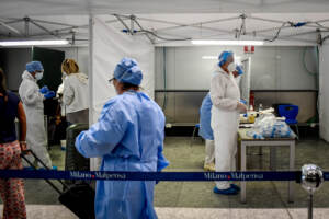 Covid, il bollettino di domenica 4 luglio: 808 casi e 12 morti