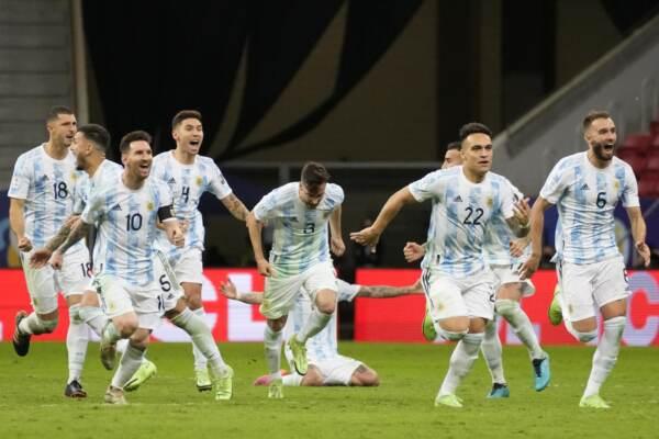 Copa America: Argentina in finale contro Brasile, Colombia ko ai rigori