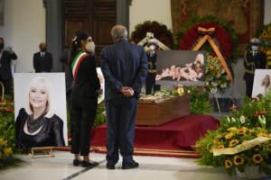 Raffaella Carrà, l'omaggio di Roma e la camera ardente – Le Immagini
