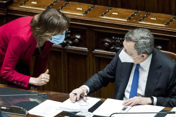 Giustizia, tensione in Cdm ma passa mediazione Draghi: ok all'unanimità