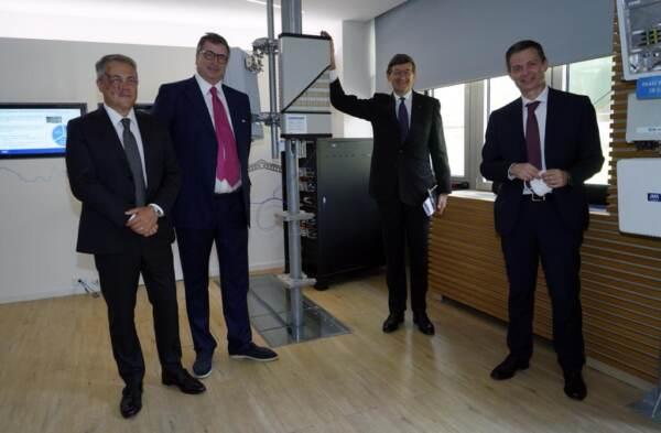 Tim, il ministro Colao in visita a Tim Innovation Lab Torino