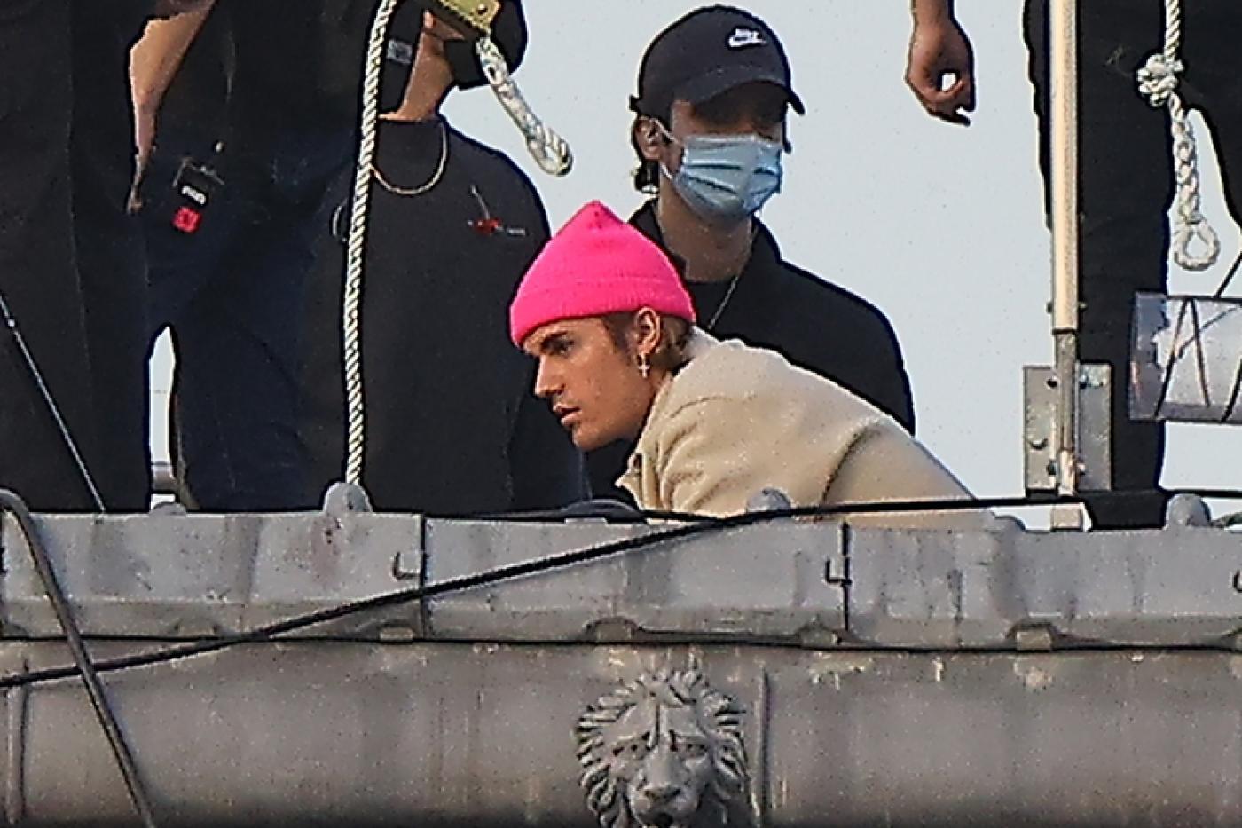 Justin Bieber gira il suo video sul tetto dell'Hotel Crillon a Parigi