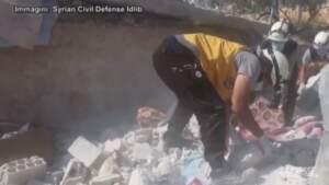 Siria, bombardamento su Idlib: almeno 6 morti