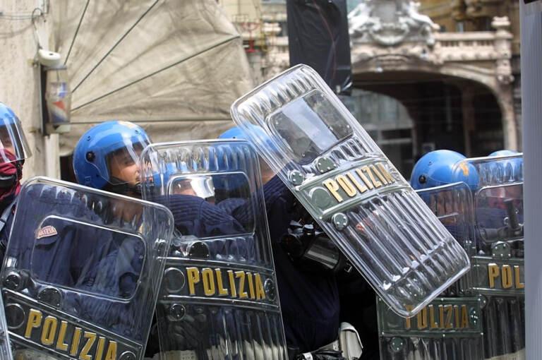 A 20 anni dal G8 di Genova, le immagini storiche – FOTOGALLERY