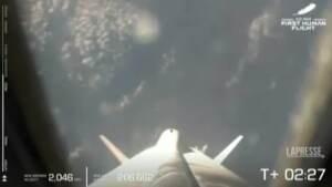 Jeff Bezos nello spazio: atterraggio di rientro riuscito