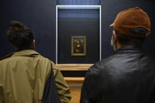 Riapre il mueso del Louvre dopo il lockdown
