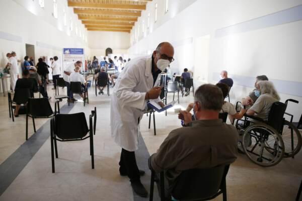 Roma, nuovo centro vaccinazioni: apre l'hub Sant'Egidio per i fragili e senza fissa dimora