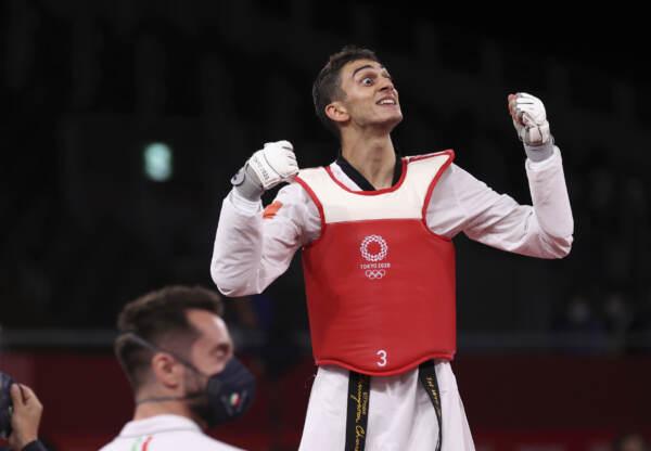 """Tokyo 2020, primo oro per l'Italia: trionfo Dell'Aquila nel taekwondo. """"Fiero di essere primo millenial medagliato"""""""