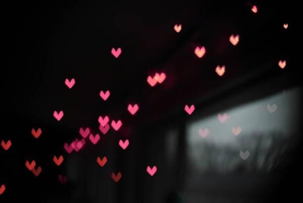 """Oroscopo di martedì 27 luglio, Leone: """"In amore giocate d'astuzia"""""""