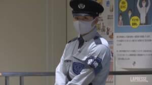 Giappone, il tifone lascia Tokyo e colpisce il nord