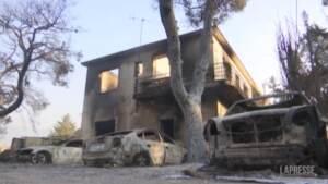 Incendio a nord di Atene: case distrutte e sfollati