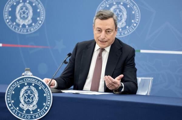 Presidente Draghi in conferenza con i ministri Roberto Speranza e Marta Cartabia