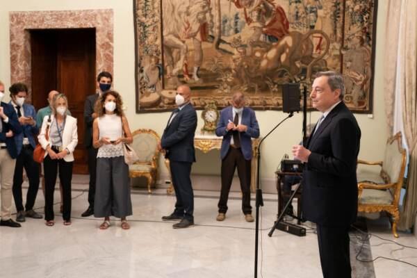 Presidente Draghi incontra i giornalisti per un saluto informale prima della pausa estiva
