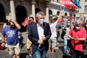 Roma, protesta operatori del settore elettrico, gas e servizi ambientali