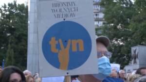 Polonia, proteste contro legge su emittenti TV