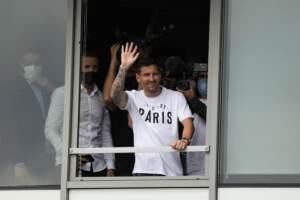 Messi atterrato a Parigi