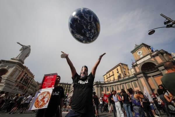 Napoli, manifestazioni e proteste in occasione del G20 su clima