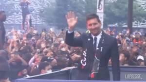 PSG, ovazione dei tifosi per Leo Messi
