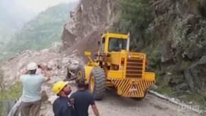 India, continua la ricerca dei dispersi dopo la gigantesca frana nell'Himachal Pradesh