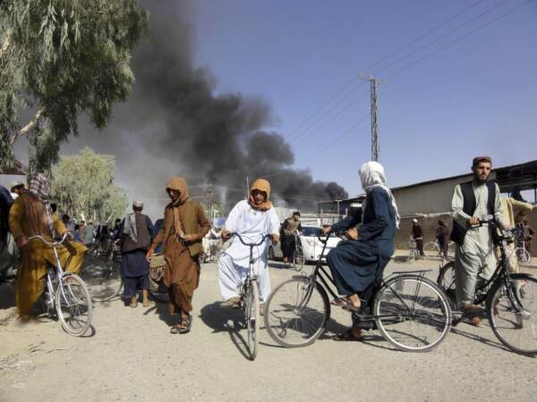 Afghanistan, continua l'avanzata dei Talebani: conquistati 15 capoluoghi