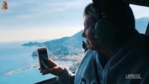 Ponte Genova tre anni dopo, la mamma di una delle vittime sull'elicottero della polizia
