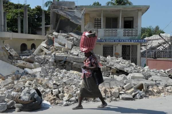 Terremoto ad Haiti: edifici crollati, revocata l'allerta tsunami