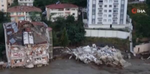 Turchia: salgono a 44 le vittime per inondazioni e frane