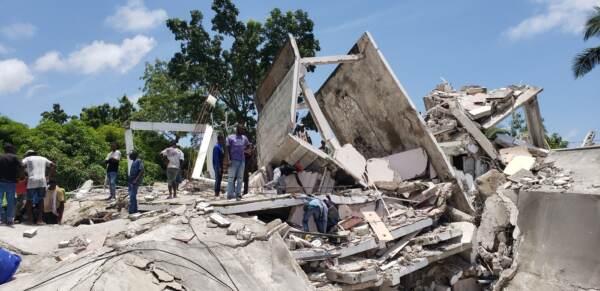 Forte terremoto ad Haiti: danni ed edifici crollati