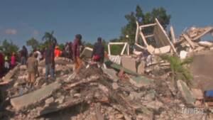 Terremoto ad Haiti, continua la ricerca di superstiti sotto le macerie