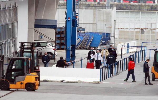 Coronavirus: Costa Deliziosa arriva al Porto di Genova