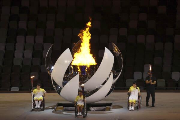 Paralimpiadi di Tokyo: l'imperatore Naruhito dichiara aperti i Giochi