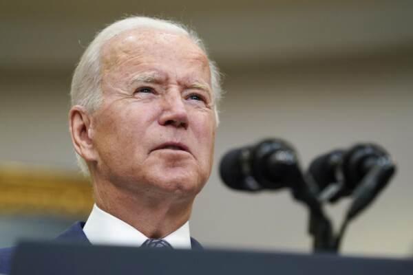 Il presidente Joe Biden parla della situazione in Afghanistan dalla Roosevelt Room della Casa Bianca