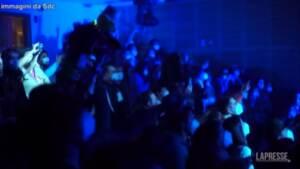 Cile, a Santiago il test di un concerto rock indoor con spettatori