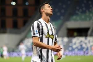"""Juve, Allegri: """"Ronaldo mi ha detto che non vuole restare"""". CR7 partito con il suo jet"""