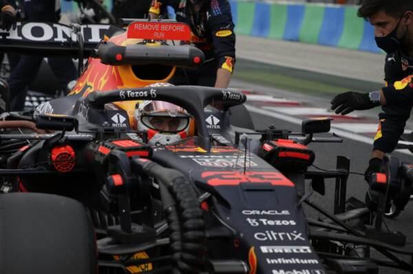 Gp Belgio: Verstappen in pole position, Hamilton terzo