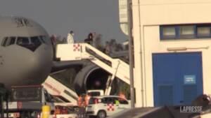 Afghanistan, l'arrivo a Fiumicino dell'ultimo volo del ponte aereo